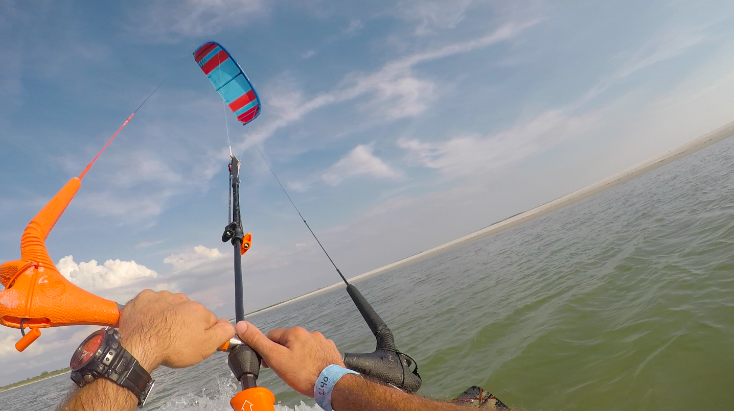 Kiteboarding In Lightwind 7-10mph